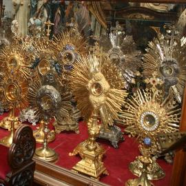Monstrances