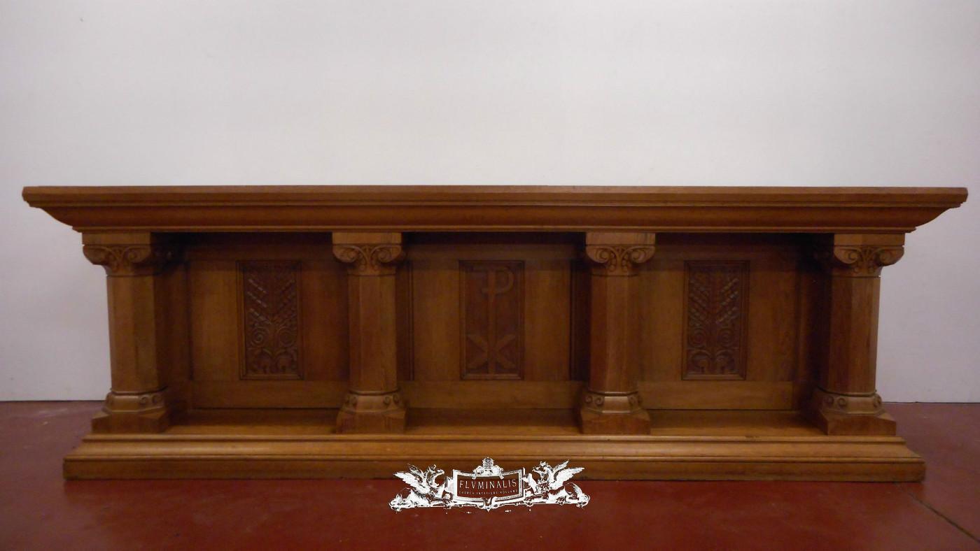1 Altar With Original Altar