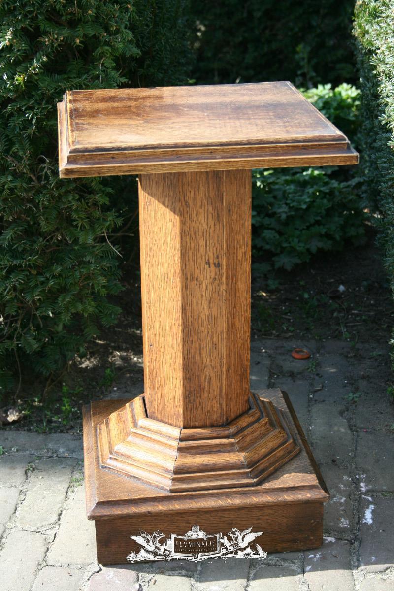 1 Statue Stand Church Furniture Fluminalis