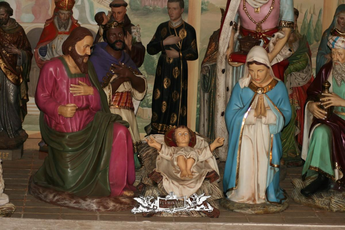 Life size resin nativity set nativity sets amp figures fluminalis